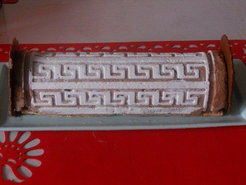 Bûche façon royal chocolat ou trianon de cuisinecrea dans entremet ,bûche(16) DSCN8719-Copier