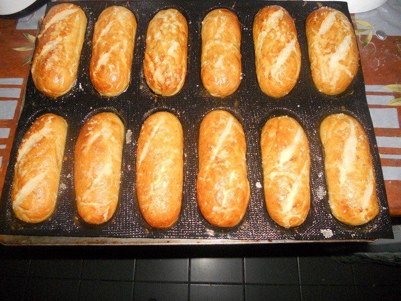 Petit pain Alsacien dans boulange (19) DSCN9034-Copier