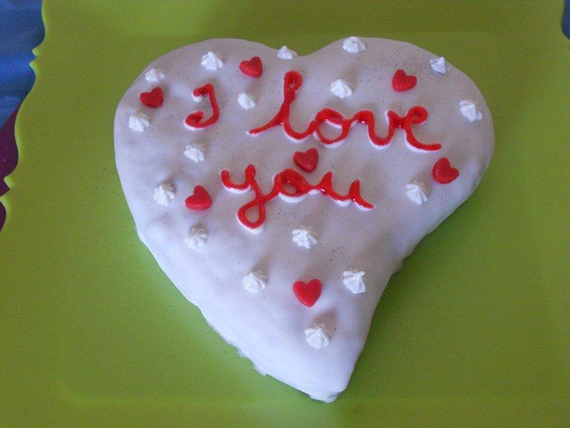 Gâteau coeur chocolat framboises dans pate a sucre et pate d'amande (5) dscn1288-copier