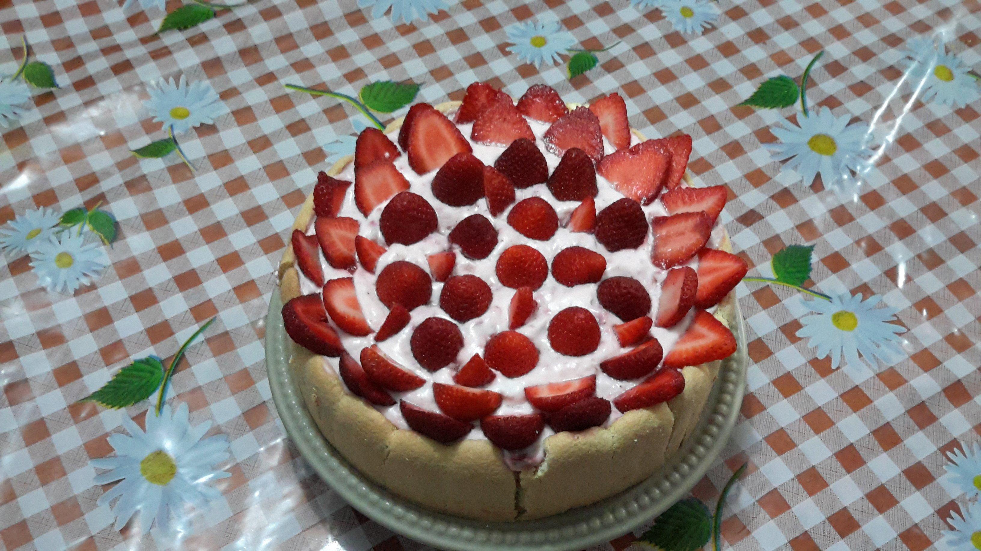 Gateau fraise boudoir
